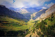 THE INCREDIBLE ORDESA VALLEY . El increíble Valle de Ordesa de Aragón. pic.twitter.com/TVfCirc51k