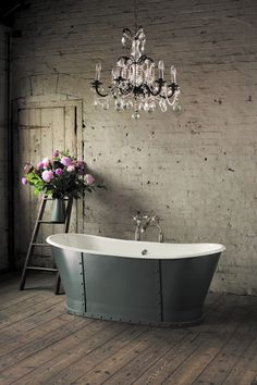 Something #pink in the bathroom? Flowers, of course.