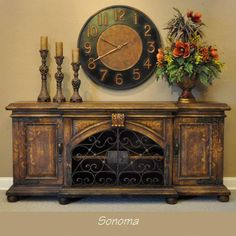 Wrought Iron Furniture Tuscan Iron Wall Decor for Tuscan Decorating Large Selection of wrought iron for kitchens, dining and entertaining areas Old World Furniture, Tuscan Furniture, Iron Furniture, Custom Furniture, Painted Furniture, Tuscan Style Homes, Tuscan House, Oversized Floor Mirror, Casas Country