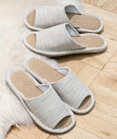 Japanese slippers-no shoes in house solution for guests