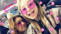 Karol e sua mãe ❤️ Disney Channel Soy Luna, Round Sunglasses, Mirrored Sunglasses, Vintage Cartoon, Besties, Templates, Rolling Skate, Intimate Tattoos, Singers