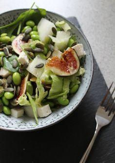 Salat med figner, edamame, honningmelon og feta