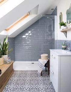 Small Bathroom Tiles, Simple Bathroom Designs, Loft Bathroom, Diy Bathroom Decor, Bathroom Interior Design, White Bathroom, Bathroom Ideas, Bathroom Organization, Master Bathrooms