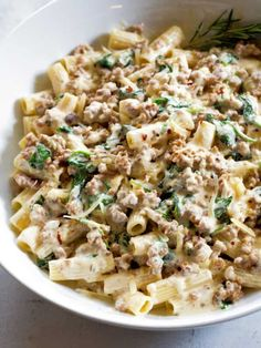recipes Creamy Sausage and Spinach Pasta with Parmesan Cream Sauce. Ready in 20 minutes!sausage recipes Creamy Sausage and Spinach Pasta with Parmesan Cream Sauce. Ready in 20 minutes! Pork Recipes, Cooking Recipes, Healthy Recipes, Recipies, Pasta Dishes, Food Dishes, Main Dishes, Sausage Recipes For Dinner, Recipes With Sausage Ground