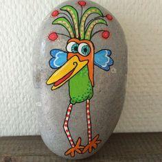 lustiger vogel bunte farben steine bemalen