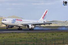 A332 de @aireuropa aterrizando RW30 de Tenerife Norte.
