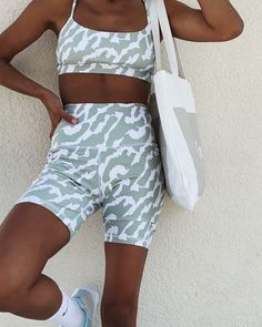 Lahana Active is an activewear label that confidently steps outside the perimeters of what is perceived as normal activewear. With bold prints, exceptional quality, and unique designs, Lahana Active is elevating the game to a whole new level. Athleisure Outfits, Sporty Outfits, Athletic Outfits, Cute Outfits, Fashion Outfits, Girl Outfits, Beautiful Outfits, Pretty Outfits, Stylish Outfits