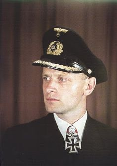 Kapitän zur See Wolfgang Lüth.