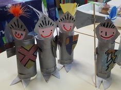 Les chevaliers en rouleaux Art Activities For Kids, Preschool Art, Art For Kids, Projects For Kids, Crafts For Kids, Arts And Crafts, St Georges Day, Knight Party, Art Lessons