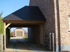 Carport met afgeknot dak