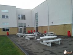 Picknickset Standerd with hole 40 mm bij John Ferneley College in Melton Mowbray