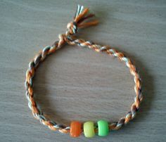 Tutorial - Make an Easy Twist / Friendship Bracelet with Embroidery Thread!