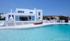 Grande piscine privée pour des vacances en Grèce luxueuse