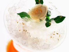 07 - NAVIDAD, SORBETE DE CHAMPAN - Ingredientes:  1 l de helado de limón, 300 ml de champán, 2 cucharadas de azúcar