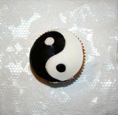 7 Best Yin Yang Dessert Station Images Yin Yang Buddhism Food Cakes