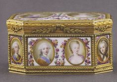 This snuffbox is ornated by the portraits of the royal family - Louis XVI, Marie Antoinette, and their parents, dead or alive (16 portraits). The technic used (painting on porcelain) is quite rare for this kind of represdentation. The box was created for Louis XVI's crowning.