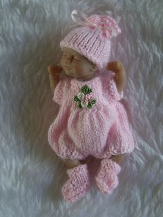 """HAND KNITTED DOLLS CLOTHES FOR 4.5""""OOAK SCULPT"""