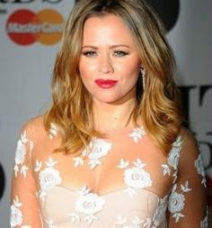 Kimberly Walsh used Beauty Works hair extensions to add texture and volume to her mid length bob at the Brit Awards 2014.