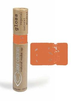 Donnez à vos lèvres un reflet gourmand ! Ce gloss, 100% naturel aux légers arômes de vanille amande, vous offre une excellente hydratation et une tenue très confortable. Il protège vos lèvres des UVA grâce à l'extrait d'algues rouges et de