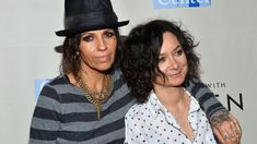 'Roseanne' Star Sara Gilbert Marries Linda Perry