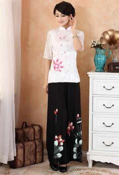 Traditional Chinese women's clothing costume