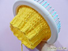 Cable hat loom knitting