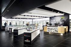 .                    Back to Previous Page    Boutique Hors-Taxes, Aéroport de Montréal  2014 / commerciale design HUMÀ design (concepteur), CHA-JLP (execution)