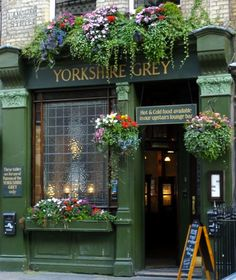 Yorkshire grey pub, london places to visit restaurant terras Vitrine Design, Deco Restaurant, British Pub, British Isles, Pub Signs, Cafe Shop, Shop Fronts, Flower Boxes, London England