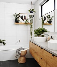 Home Decoration Ideas Kitchen 8 Chic plants you can add in your bathroom space - Daily Dream Decor.Home Decoration Ideas Kitchen 8 Chic plants you can add in your bathroom space - Daily Dream Decor Bathroom Plants, Boho Bathroom, Bathroom Inspo, Bathroom Interior, Bathroom Inspiration, Small Bathroom, Bathroom Ideas, Bathroom Wall, Zebra Bathroom