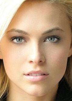 Most Beautiful Eyes, Beautiful Women, Makeup For Green Eyes, Cute Beauty, Light Hair, Flawless Skin, Woman Face, Pretty Face, Beauty Women