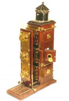 Lanterne Magique Triple - Antiq Photo - - [( 05. Musée|supprimer_numero)] - Achat, vente et estimation gratuite d'appareils photos anciens, ...