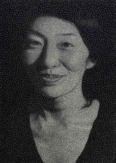 New York-based artist Kumi Yamashita got the idea to wind a single and unbroken sewing thread around thousands of galvanized nails to make these astounding portraits of people in her Constellation series. Photomontage, Kumi Yamashita, Caricatures, Art Fil, Thread Art, National Portrait Gallery, Pin Art, New York, Japanese Artists