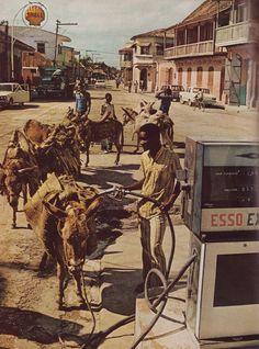 kicker-of-elves:    Haiti National Geographic January 1976 Thomas Nebbia