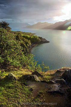 Luces de la Tarde - Fiordo Hornopiren ( Patagonia - Chile)