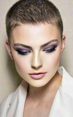 Edgy Platinum Spikes - 40 Best Edgy Haircuts Ideas to Upgrade Your Usual Styles - The Trending Hairstyle Edgy Haircuts, Short Pixie Haircuts, Pixie Hairstyles, Really Short Hair, Super Short Hair, Short Hair Cuts For Women, Short Hair Styles, Corte Y Color, Hair Tattoos