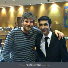 El actor y humorista Raúl Cimas con Javi, maître de Grand Place, en Silken Gran Hotel Havana Barcelona.  http://www.hoteles-silken.com/hoteles/gran-hotel-havana-barcelona/
