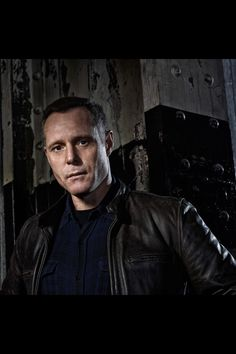 Jason Beghe from Chicago PD. He's voice is sexy as hell!!