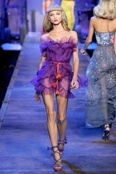 Christian Dior Spring 2011 Ready-to-Wear - Collection - Gallery - Style.com