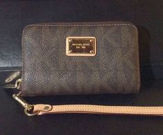Michael Kors Women's Wallet (Pre-owned Ladies Multi-Function Credit Card Phone Holder MK Logo Designer Wallet)