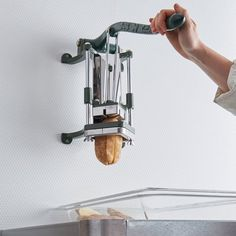 Kitchen models: 60 ideas for all styles - Home Fashion Trend Cooking Gadgets, Cooking Tools, Cooking Pasta, Cool Kitchen Gadgets, Kitchen Hacks, Frites Restaurant, Restaurant Kitchen, Mobile Food Cart, French Fry Cutter