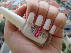 Find images and videos about white, nails and unhas on We Heart It - the app to get lost in what you love. Fabulous Nails, Gorgeous Nails, Pretty Nails, Diy Nails, Swag Nails, Manicure, White Nail Polish, White Nails, Diy Nail Designs