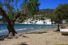 La plage de Vathi - Sifnos - Cyclades - Grece