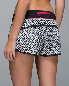 Run: Speed Short SOGE/BLK 10 soul geo silver spoon black/black Athletic Outfits, Sport Outfits, Cool Outfits, Athletic Wear, Athletic Shorts, Workout Attire, Workout Wear, Crossfit Clothes, Workout Clothing