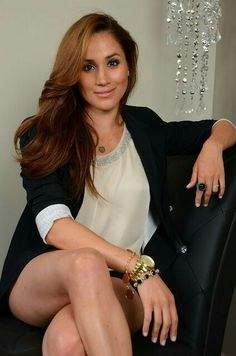 """Meghan Markle hot actress is one of the most famous American actress and tv personality who was born on 4 August 1981 in Los Angeles County to a rich family. Markle is getting hugely popular by the names like """" Princess Meghan Markle"""", """"Prince Meghan Markle Suits, Estilo Meghan Markle, Meghan Markle Hair, Meghan Markle Photos, Meghan Markle Style, Meghan Markle Legs, Meghan Markle Prince Harry, Prince Harry And Megan, Beautiful Celebrities"""