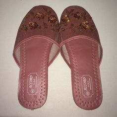 ce309396d0d6 Accord Chinese Slippers Good condition Accord Shoes Slippers