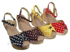 oh my goodness, polka dot sandals.