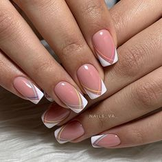 pink french nails Tips Pretty Nail Colors, Pretty Nail Designs, Best Nail Art Designs, Colorful Nail Designs, Cute Acrylic Nails, Cute Nails, Nail Art Arabesque, Hair And Nails, My Nails