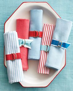 Fashion a set of napkin rings in no time using grosgrain ribbon and D rings.