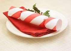 215 best crackers for christmas images on pinterest christmas cracker with a twist 600 learn to make your own holiday crackers diy christmas solutioingenieria Image collections