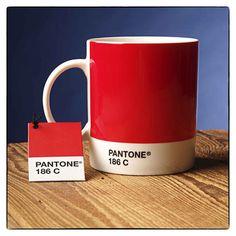 red_pantone_mug - Rouge